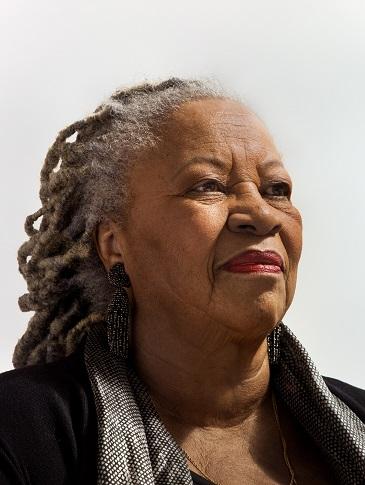 Porträtbild der Autorin Toni Morrison.
